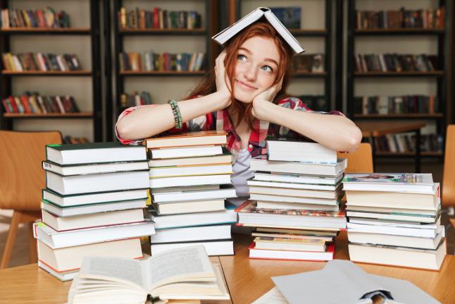 Perché non leggiamo tutti i nostri libri? Solo colpa del Tsundoku?