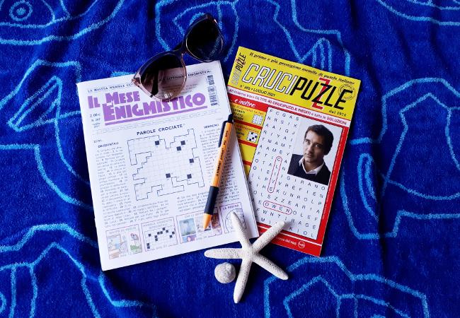 Le vacanze iniziano con l'enigmistica. Puzzle e parole crociate