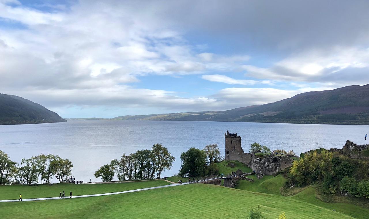 Il lago Loch Ness in Scozia